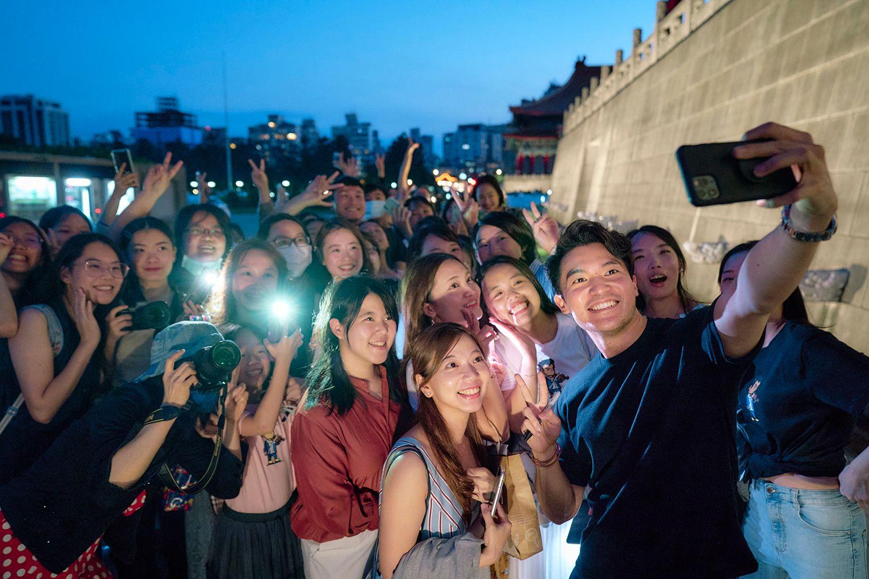 陳銳  台灣已是家 爸媽一起來台跨年/告別2020的幾種方式
