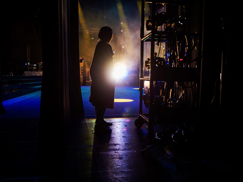 開演前一百小時 國光劇團舞監林雅惠 閻羅夢境後的幕啟幕落 下